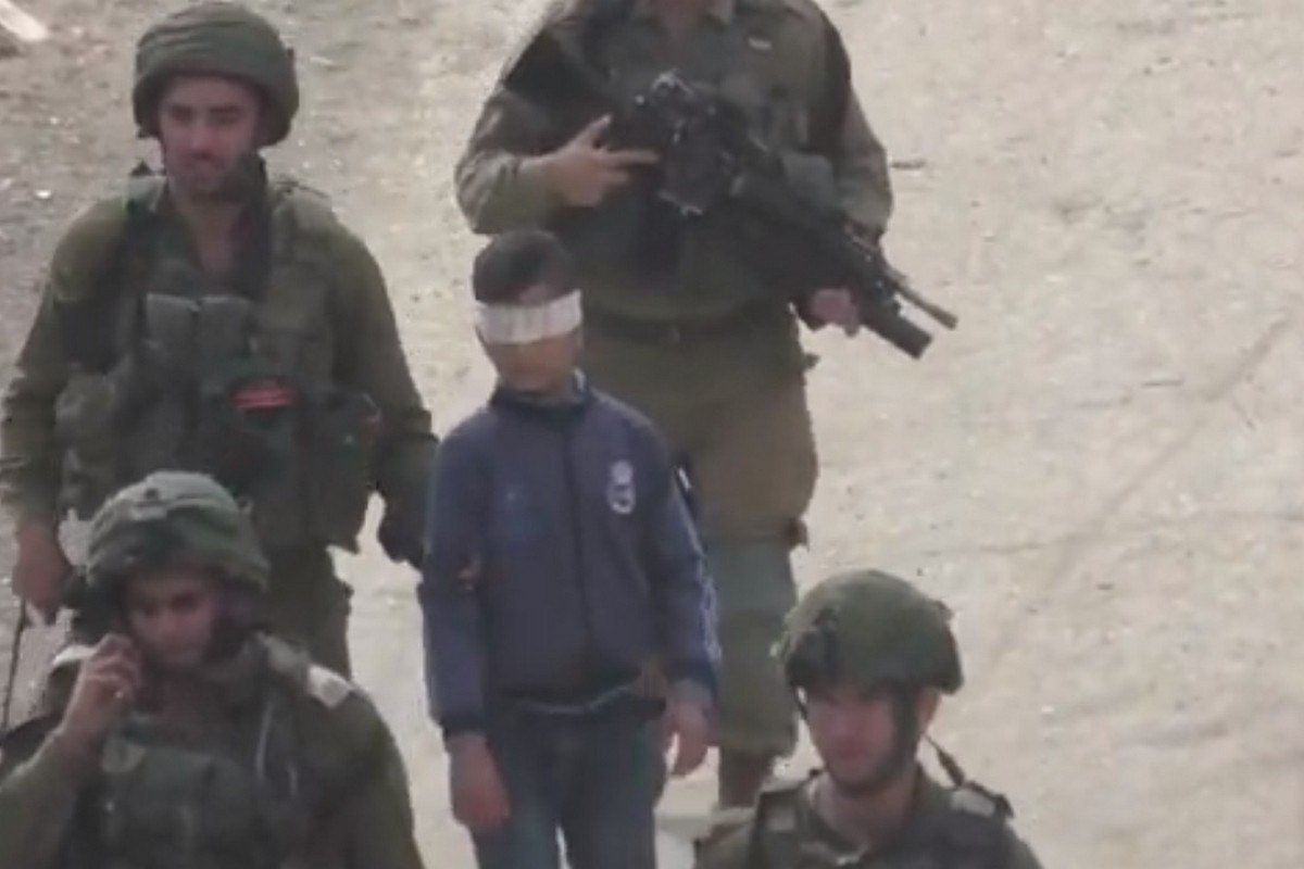 Israeli forces detain a 13-year-old Palestinian child [File photo]